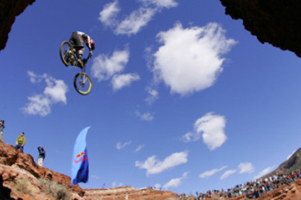 gee_atherton_red_bull_rampage_2004