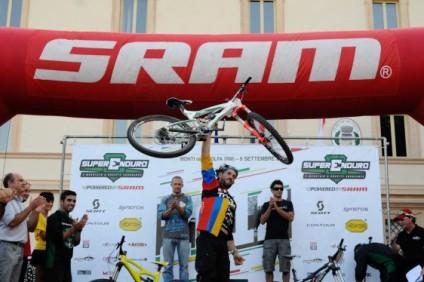 monti_tolfa_superenduro_podio_title