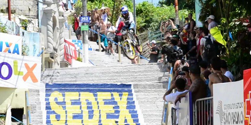 filip_polc_descida_da_escadas_do_santos_drift_camera_jump
