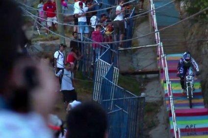 marcelo_gutierrez_red_bull_valparaiso_cerro_abajo_2013