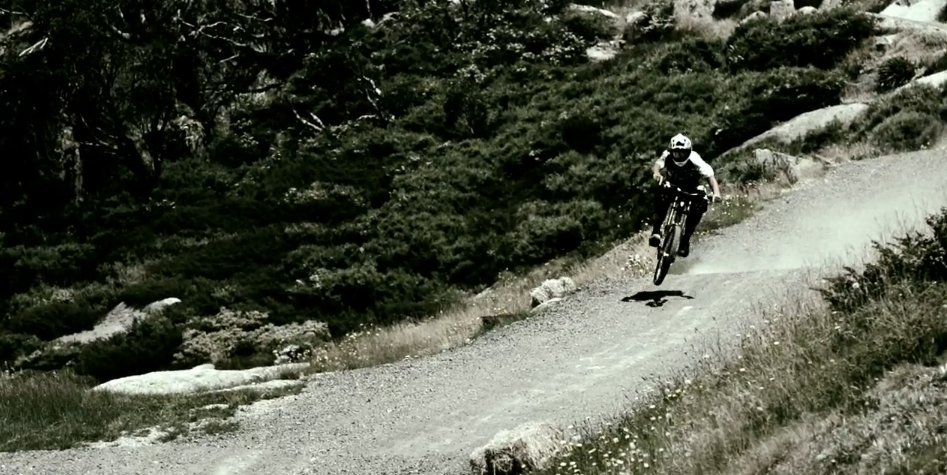 chris_kovarik_thredbo_downhill