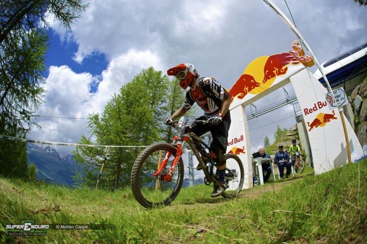 superenduro_madesimo_start_red_bull
