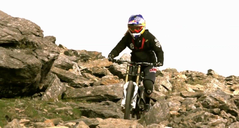 rachel_atherton_ride_vito_sport_mercedes_snowdon