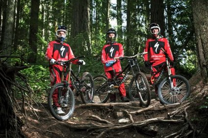 specialized_racing_dowhill_team_aaron_gwin_troy_brosnan_mitch_ropelato