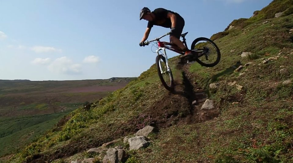 chris_akrigg_trial_trails_turn