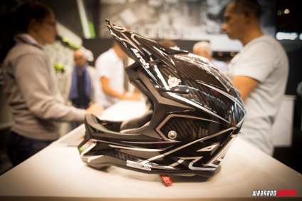 eurobike_2013_airoh_fighter_carbon_3