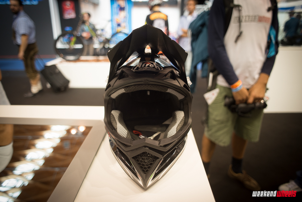 eurobike_2013_airoh_fighter_carbon_6