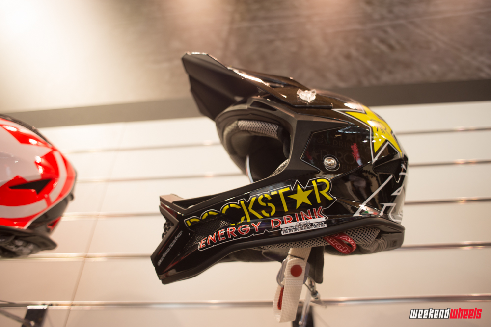 eurobike_2013_airoh_fighter_rockstar