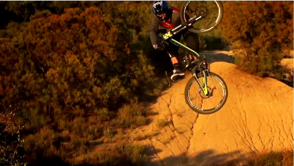 kyle_strait_redbull_rampage_training_2013_table