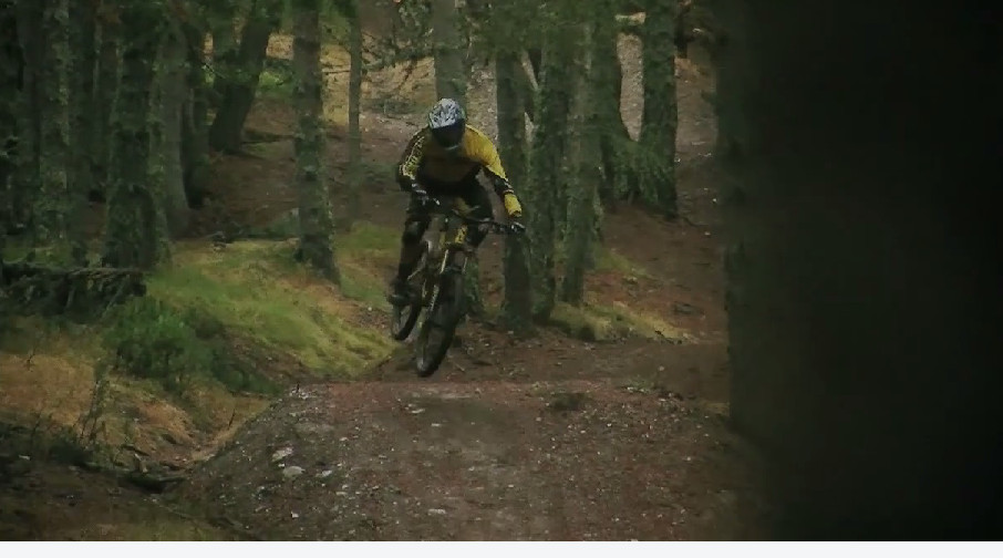 remy_absalon_left_commencal_2013_riding