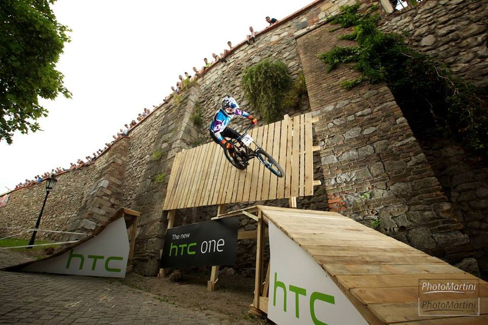 city_downhill_world_tour_2014_bratislava_wallride