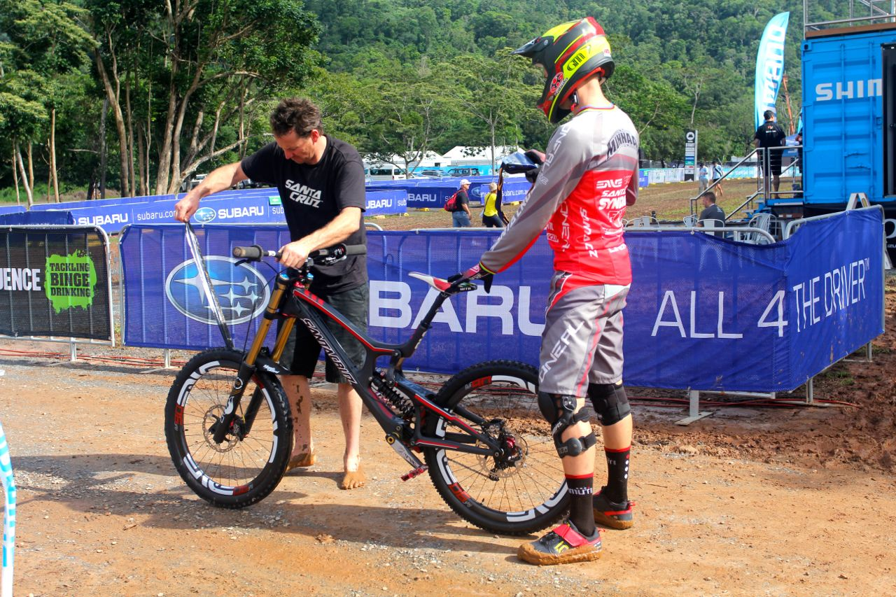 santacruz_syndicate_cairns_wc_2_dh_greg_minnaar_v10