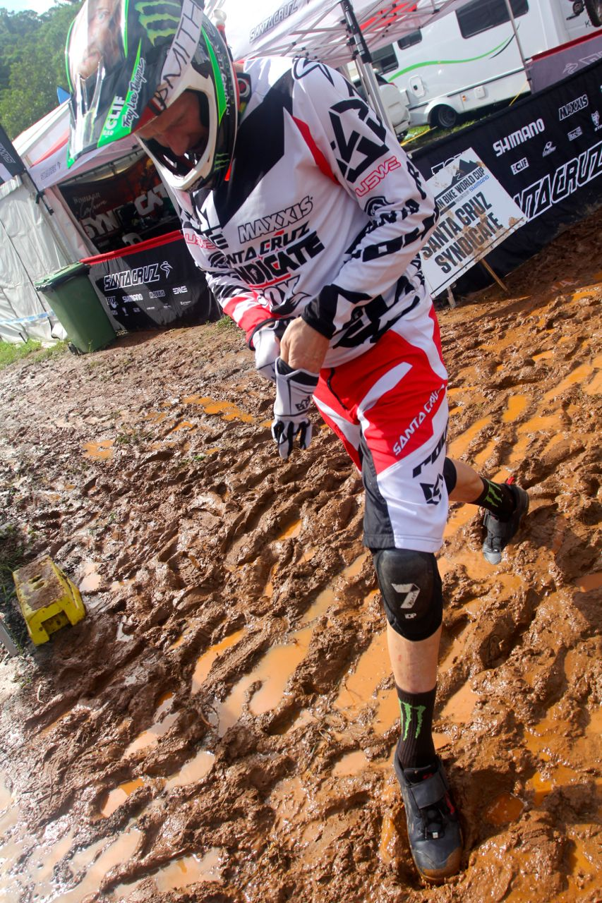 santacruz_syndicate_cairns_wc_2_dh_steve_peat_mud