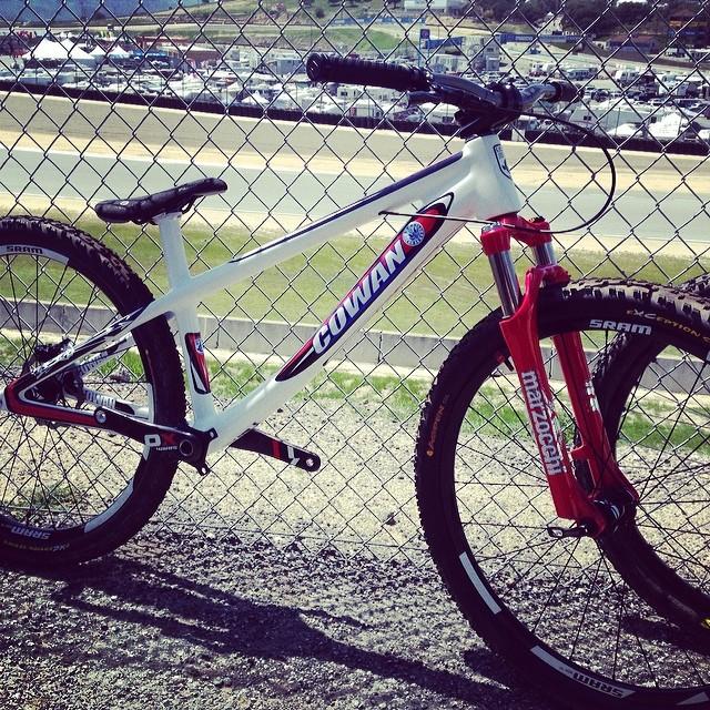 cowanbikes_carbon_dirt_jumping_frame