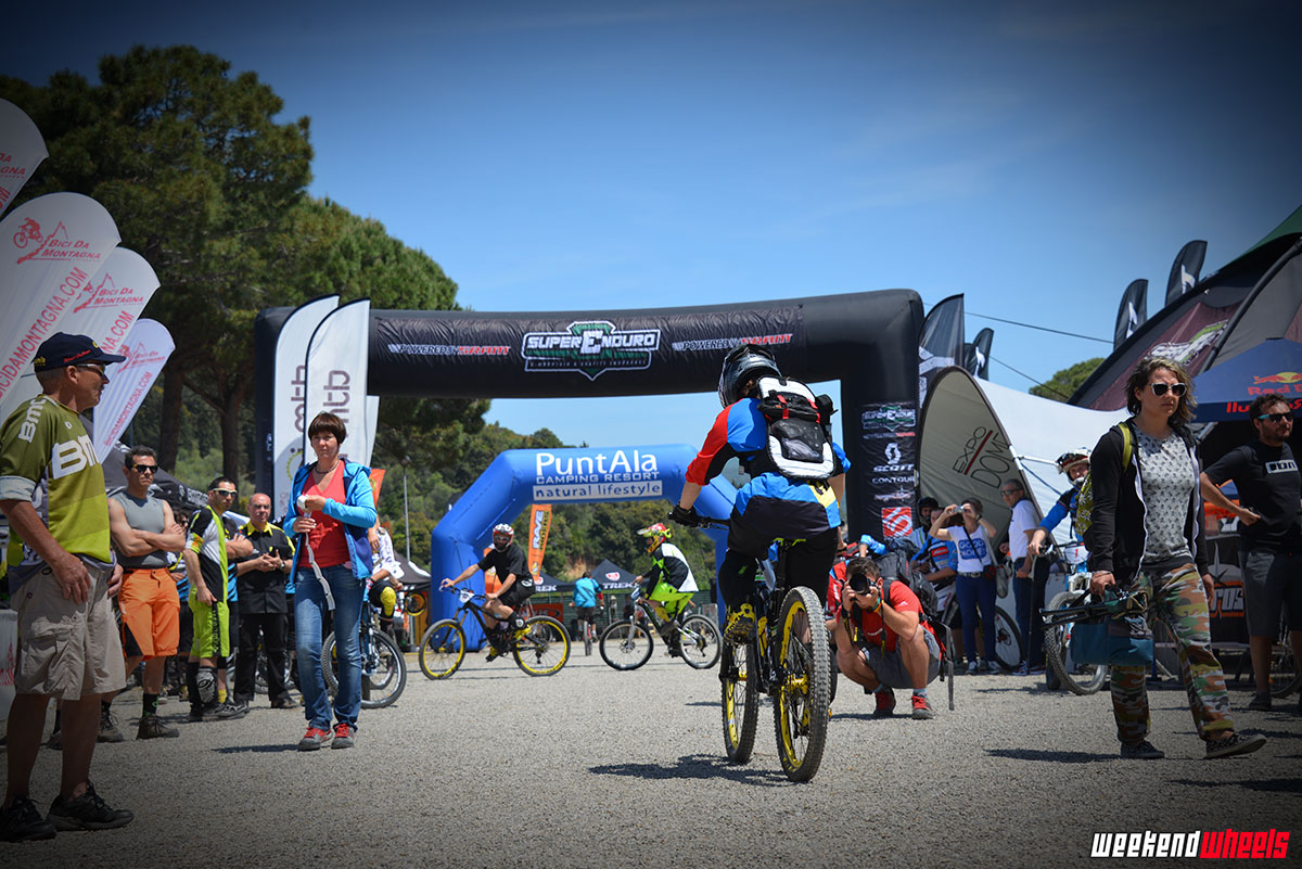 superenduro_puntala_2014_start_donne