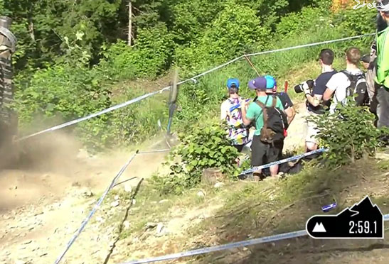 loic_bruni_crash_leogang_2014_downhill