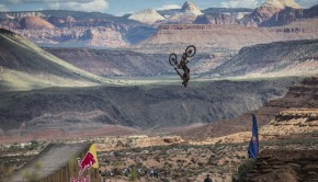 red_bull_rampage_2014_szymon_godziek_backflip_canyon_gap