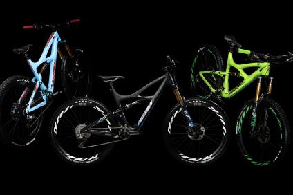 3 Bike Hero No Splash 2560 x 1600