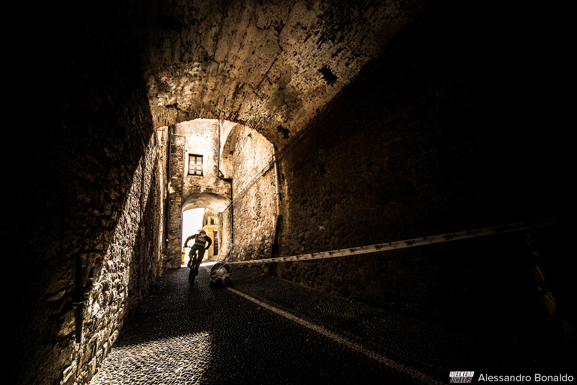 fox_urban_downhill_2015_imperia_galleria