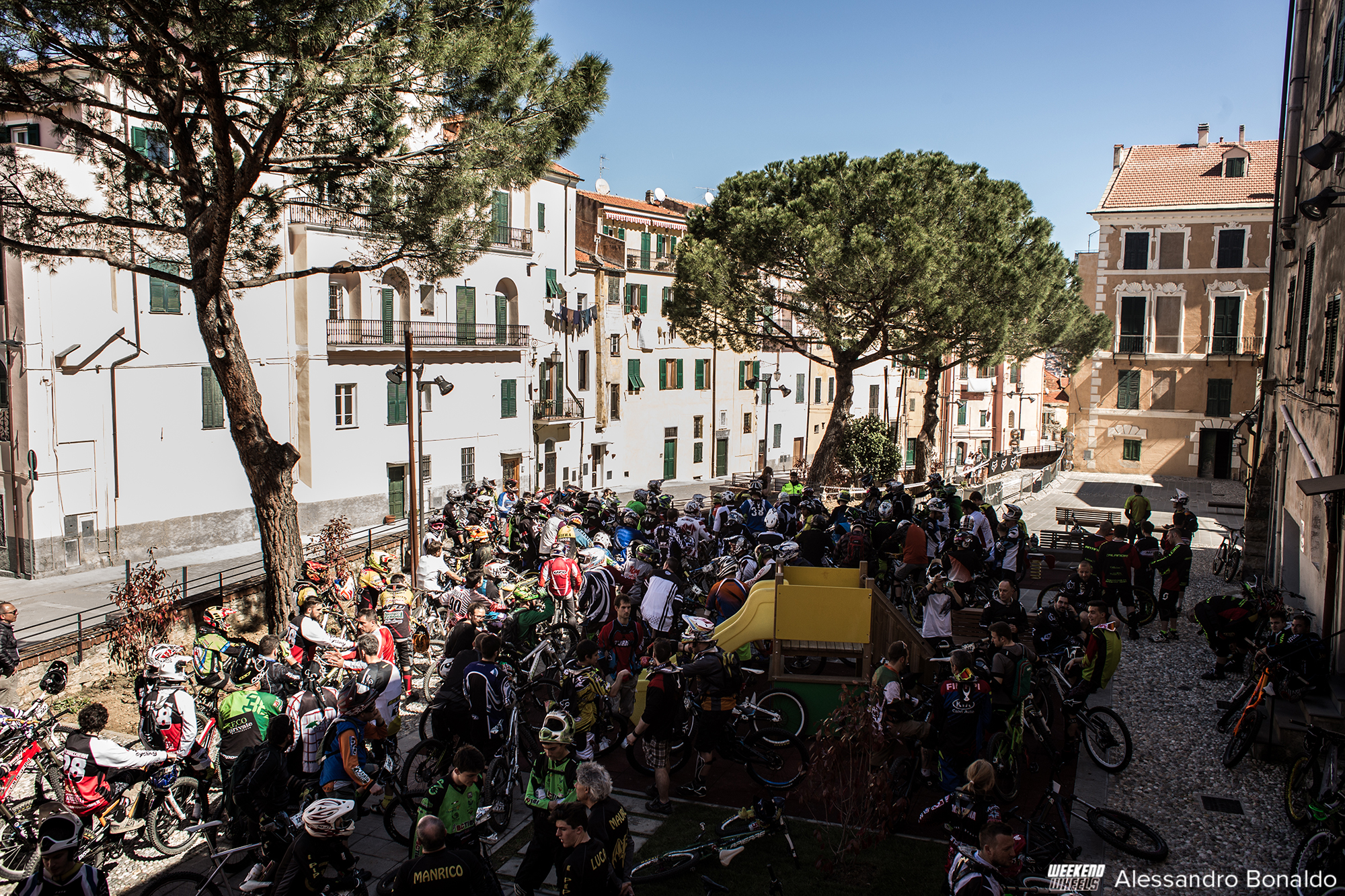 fox_urban_downhill_2015_imperia_gente