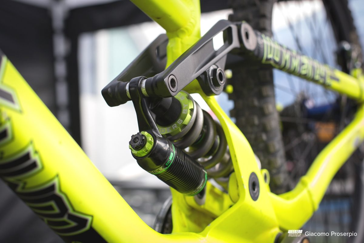 commencal_supreme_dh_oscar_harnstrom_4