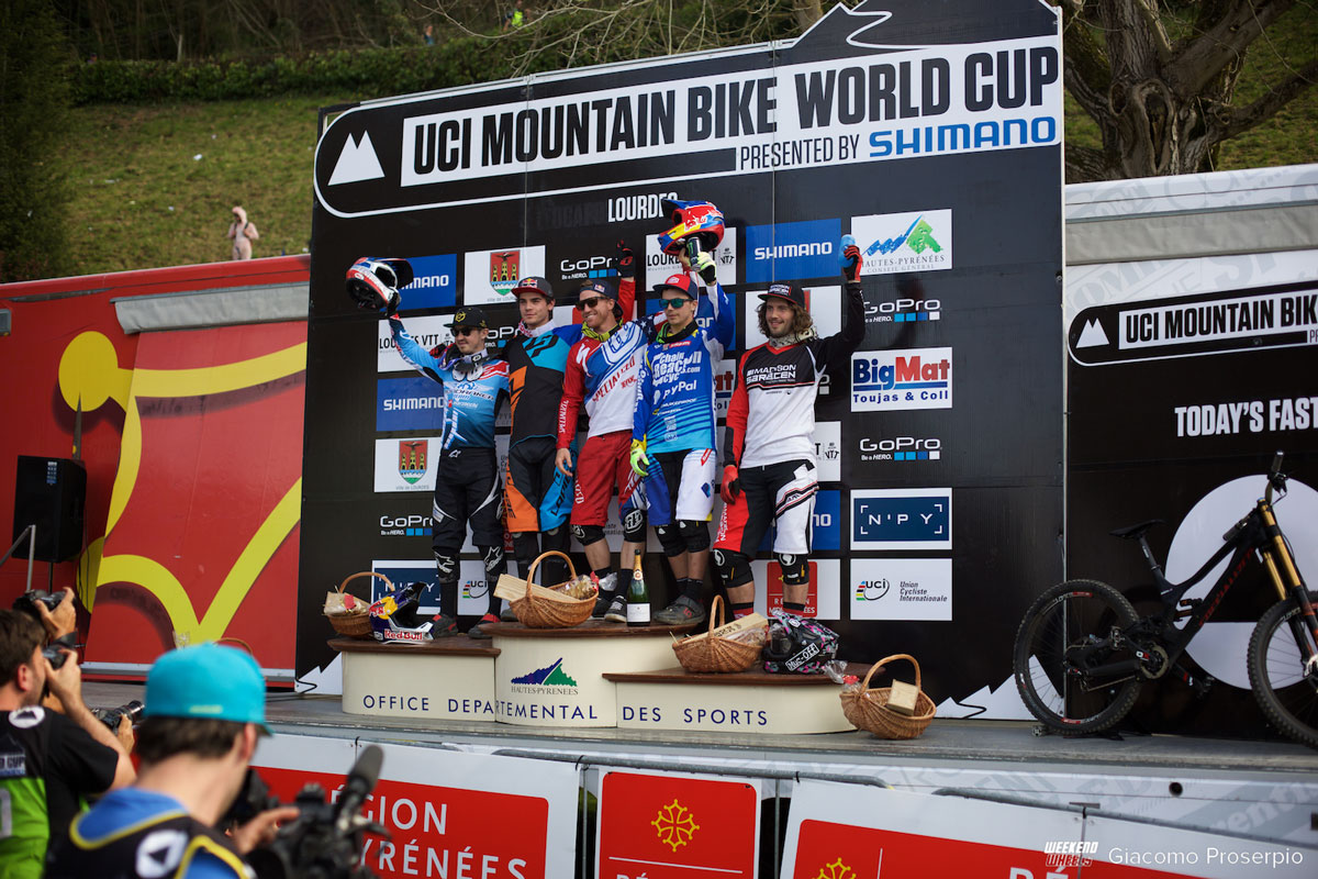 wc_lourdes_downhill_2015_podio_elite_men