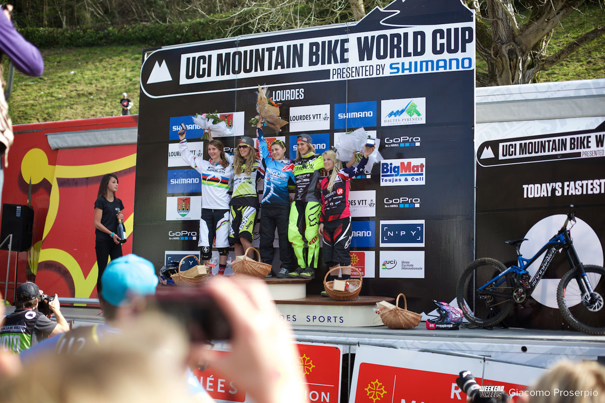 wc_lourdes_downhill_2015_podio_elite_women