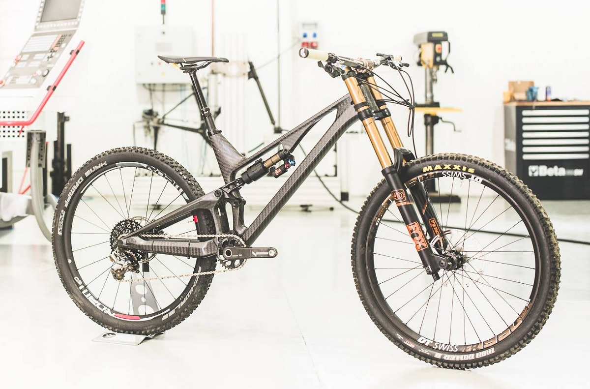 unno-enduro-bike-project_fox_40_160mm_2